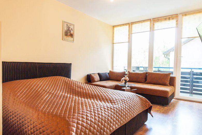 Pokoje i mieszkania (apartamenty) do wynajęcia w Nidzie NIDOS RŪTA - 19