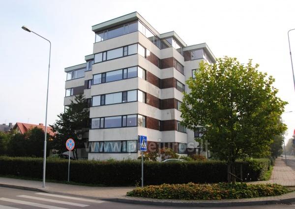 Przytulne, przestrzenne 65 m.kw. trójpokojowe mieszkanie w centrum Połągi - 1