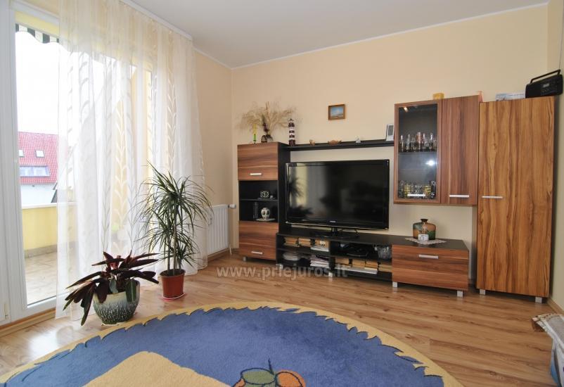 Dwa pokoje mieszkanie w centrum Nidy z dużym balkonem, 2 telewizory - 3