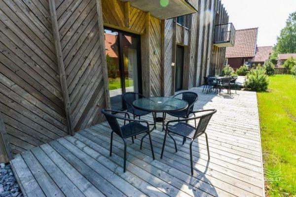 Nowe apartamenty dla 2-4 osób, do wynajęcia przez cały rok w Pervalka