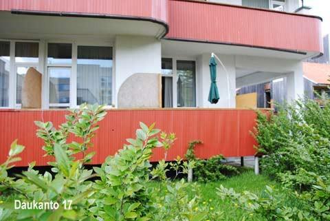 Mini mieszkanie z oddzielnym WC i prysznicem oraz aneksem kuchennym w centrum Połągi, 500 m od plaży! - 10