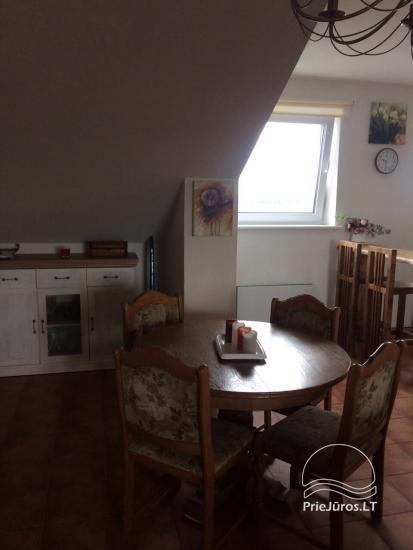 Przestronne mieszkanie z kominkiem do wynajęcia w Połądze - 3