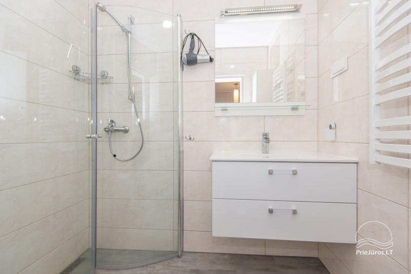Przestronne, przytulne i schludne pokoje ze wszystkimi udogodnieniami do wynajęcia w Połądze, w prywatnym domu - 7