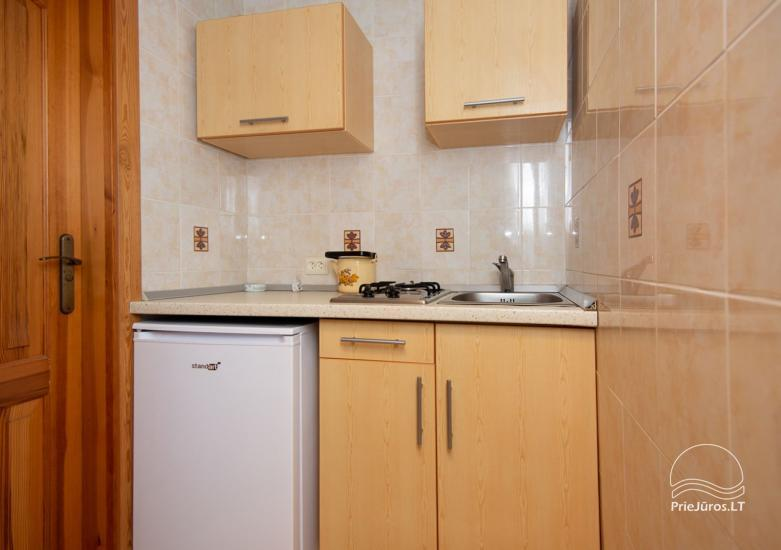 Przestronne, przytulne i schludne pokoje ze wszystkimi udogodnieniami do wynajęcia w Połądze, w prywatnym domu - 9