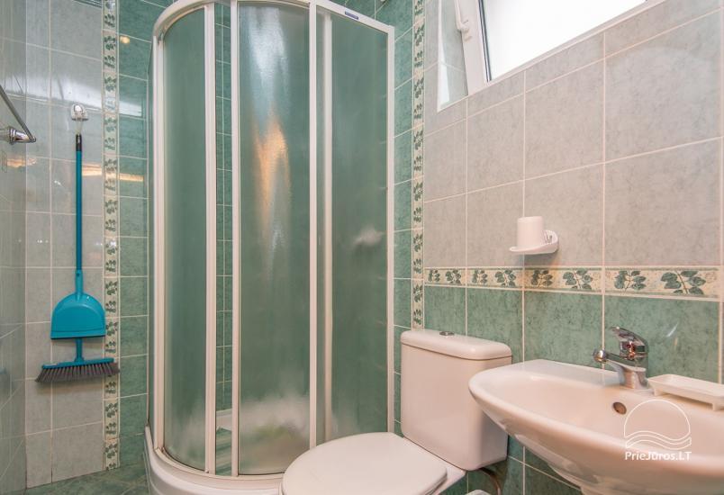Przestronne, przytulne i schludne pokoje ze wszystkimi udogodnieniami do wynajęcia w Połądze, w prywatnym domu - 10