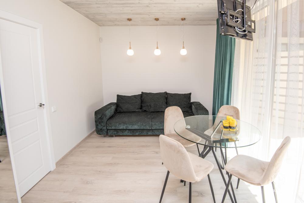 Nowe mieszkanie z tarasem i podgrzewanym basenem blisko morza - 2