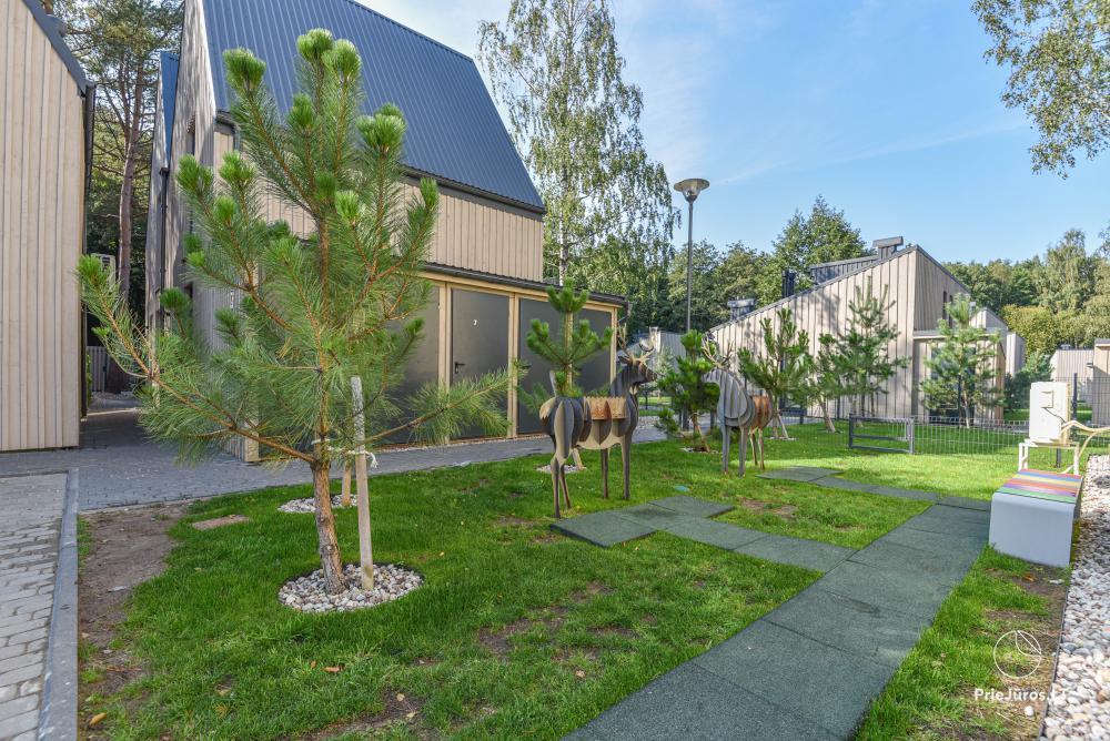 Nowe mieszkanie z podgrzewanym basenem otoczonym lasem sosnowym - 20