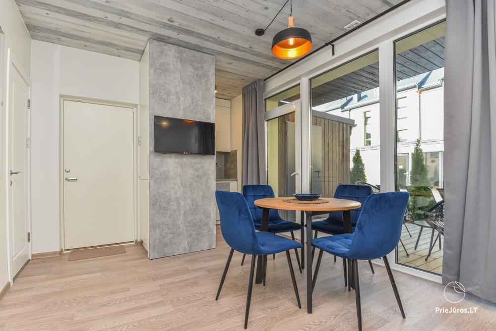Nowe mieszkanie z podgrzewanym basenem otoczonym lasem sosnowym - 5