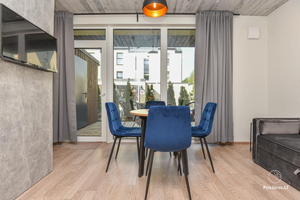Nowe mieszkanie z podgrzewanym basenem otoczonym lasem sosnowym - 4