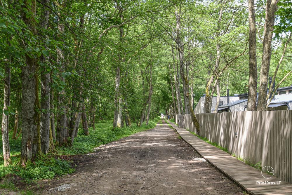 Nowe mieszkanie z podgrzewanym basenem otoczonym lasem sosnowym - 24