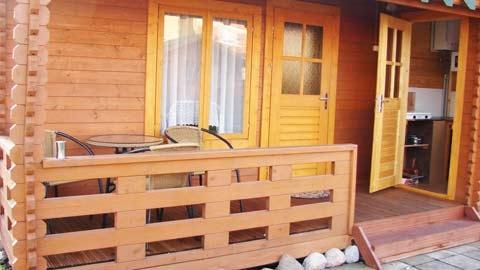 Drewniane domki lentniskowy nad morzem w Sventoji - 2
