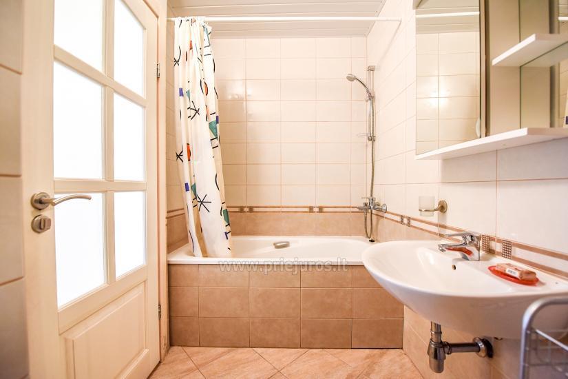Vila Verbena w Połądze, 2-3 pokojowe mieszkanie z balkonem lub tarasem, kuchni. 7 min pieszo do morza! - 7