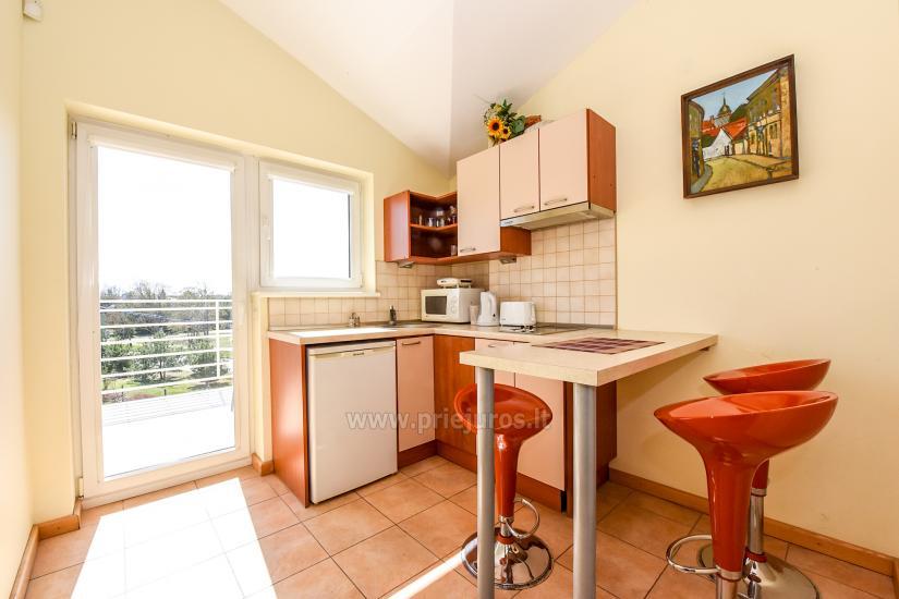 Vila Verbena w Połądze, 2-3 pokojowe mieszkanie z balkonem lub tarasem, kuchni. 7 min pieszo do morza! - 9