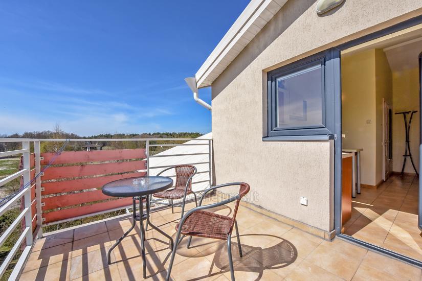 Vila Verbena w Połądze, 2-3 pokojowe mieszkanie z balkonem lub tarasem, kuchni. 7 min pieszo do morza! - 8