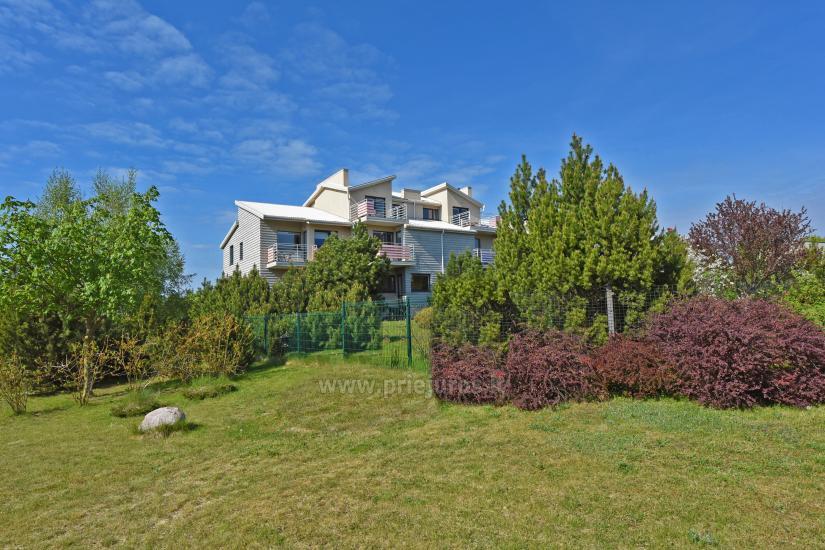 Vila Verbena w Połądze, 2-3 pokojowe mieszkanie z balkonem lub tarasem, kuchni. 7 min pieszo do morza! - 2