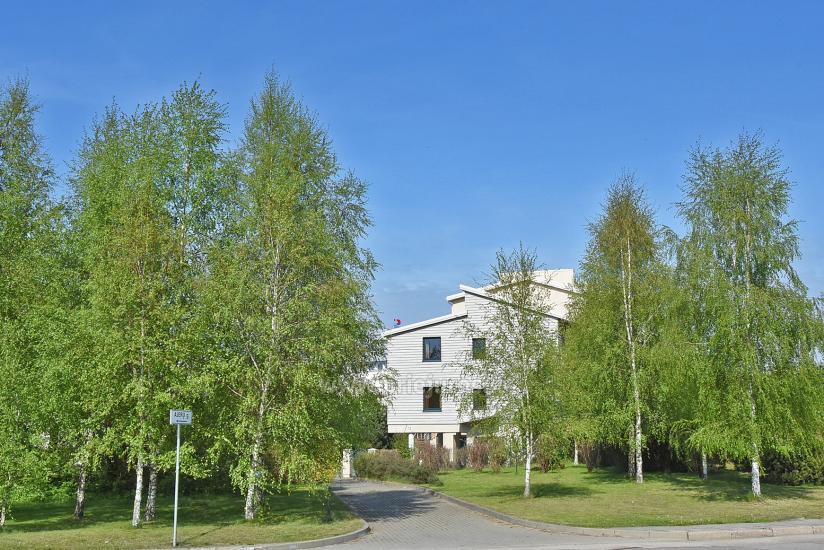 Vila Verbena w Połądze, 2-3 pokojowe mieszkanie z balkonem lub tarasem, kuchni. 7 min pieszo do morza! - 3