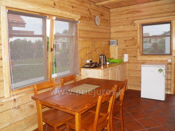 Dwupokojowe mieszkanie i pokoje do wynajęcia w Sventoji w drewnianym domu - 7