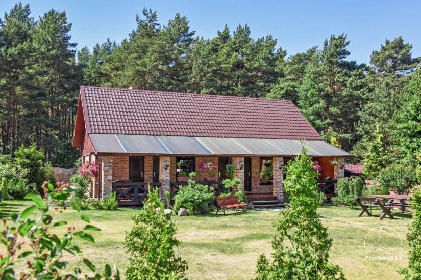 Dom wakacyjny i pokoje w Kunigiskes Mazoji Vila, w pobliżu szlaku rowerowego, 100 metrów do morza - 1