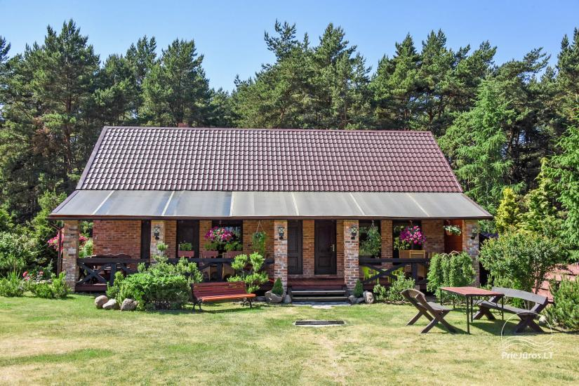 Dom wakacyjny i pokoje w Kunigiskes Mazoji Vila, w pobliżu szlaku rowerowego, 100 metrów do morza - 2