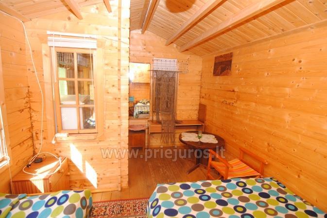 Drewniany domek i miesykanie w prywatnym domu ze wszystkimi udogodnieniami podwórkiem w Połądze - 3
