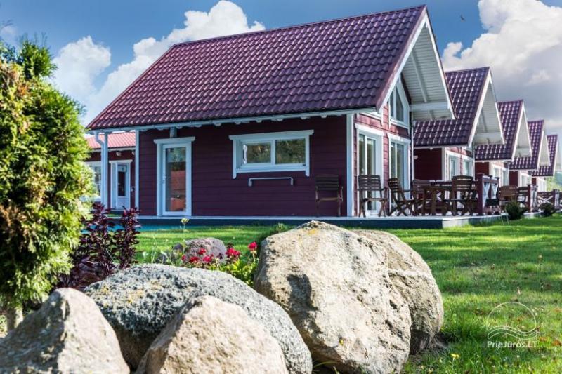 Drewniane domy wakacyjne i przyczepy mieszkalne do wynajęcia w Sventoji