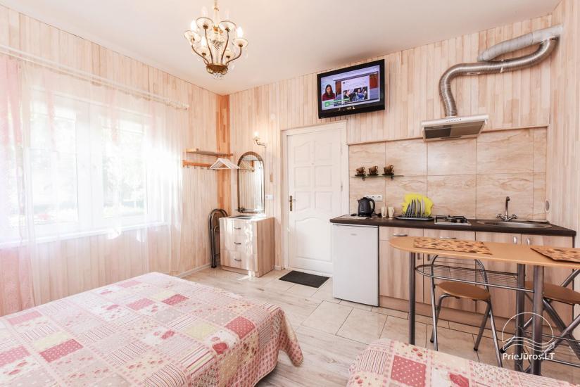 Nr 1 Pokój Czteroosobowy na 1. piętrze z prywatnym kuchennym, prysznicem i toaletą