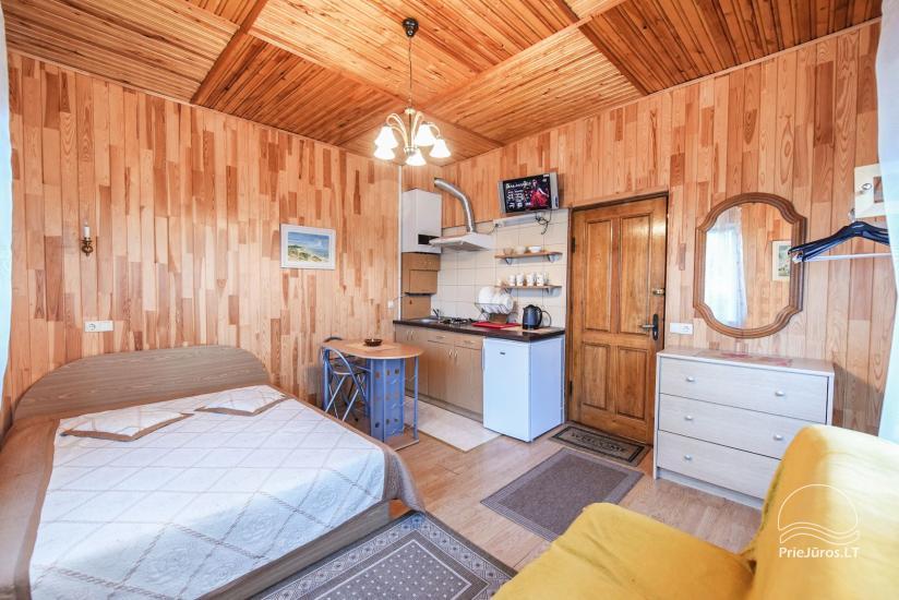 Nr 2 Pokój Czteroosobowy na 1. piętrze z prywatnym kuchennym, prysznicem i toaletą