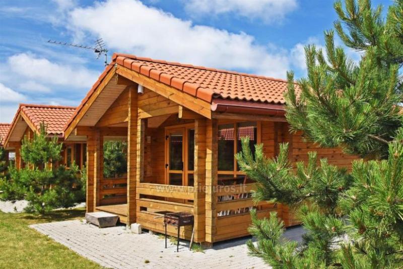 Nowe drewniane domy w Połądze