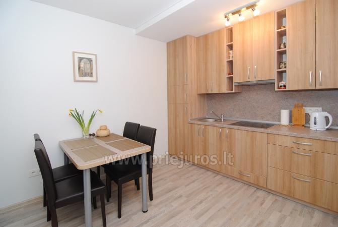 Dwupokojowe mieszkanie w Połądze. Nowo wyposażone mieszkanie, duży balkon - 1