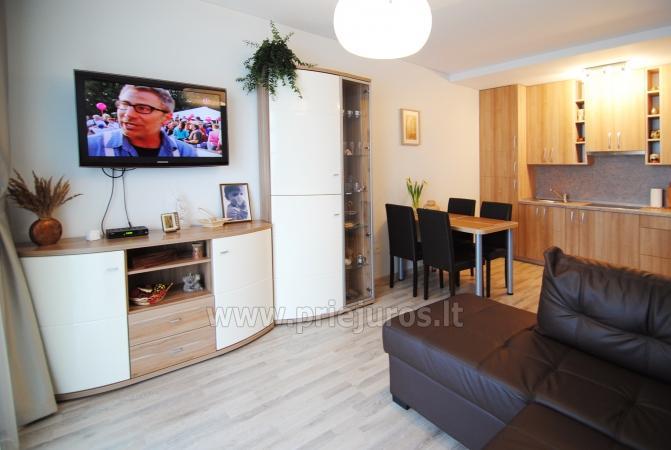 Dwupokojowe mieszkanie w Połądze. Nowo wyposażone mieszkanie, duży balkon - 2