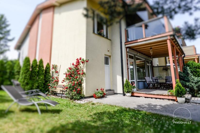 Domek (apartament dla 4-6 osób) z przestronnym dziedzińcem, tarasem w Połądze, przy ulicy Vanagupes. - 4