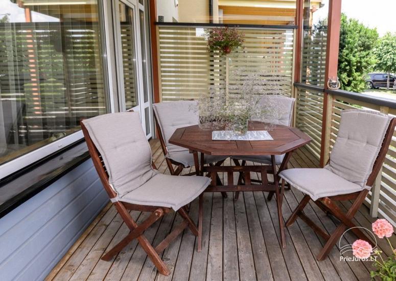 Domek (apartament dla 4-6 osób) z przestronnym dziedzińcem, tarasem w Połądze, przy ulicy Vanagupes. - 3