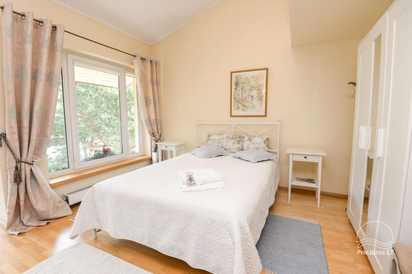 Domek (apartament dla 4-6 osób) z przestronnym dziedzińcem, tarasem w Połądze, przy ulicy Vanagupes. - 9