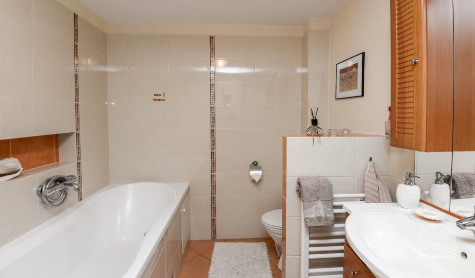 Domek (apartament dla 4-6 osób) z przestronnym dziedzińcem, tarasem w Połądze, przy ulicy Vanagupes. - 11