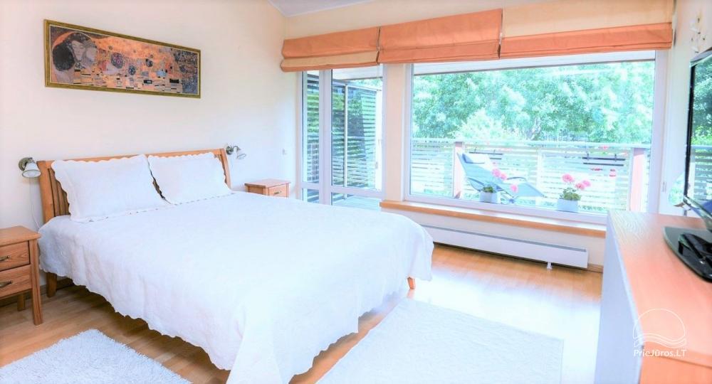 Domek (apartament dla 4-6 osób) z przestronnym dziedzińcem, tarasem w Połądze, przy ulicy Vanagupes. - 12
