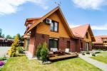 Villa Vetrune - miejsce na wspaniały odpoczynek. Podwórze, taras z meblami ogrodowymi, spokojne miejsce
