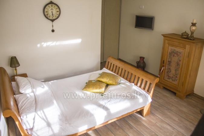 Przestronny (50qw.m) dwa pokoje apartament z tarasem i osobnym wejściem - 2
