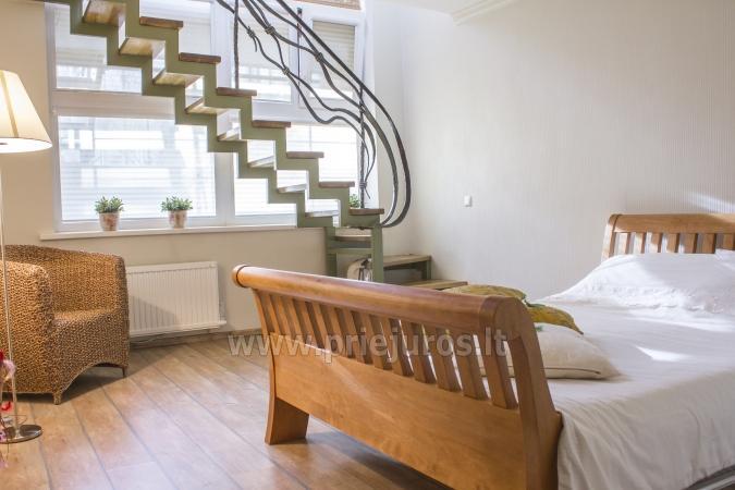 Przestronny (50qw.m) dwa pokoje apartament z tarasem i osobnym wejściem - 1