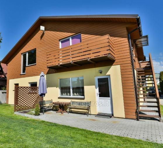 2-osobowe i 4-osobowe apartamenty w Sventoji. Prywatna wejścia, udogodnienia, sad - 1