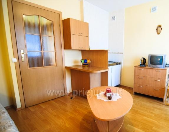 Dwupokojowe mieszkanie z balkonem i nowe meble w Połądze - 4