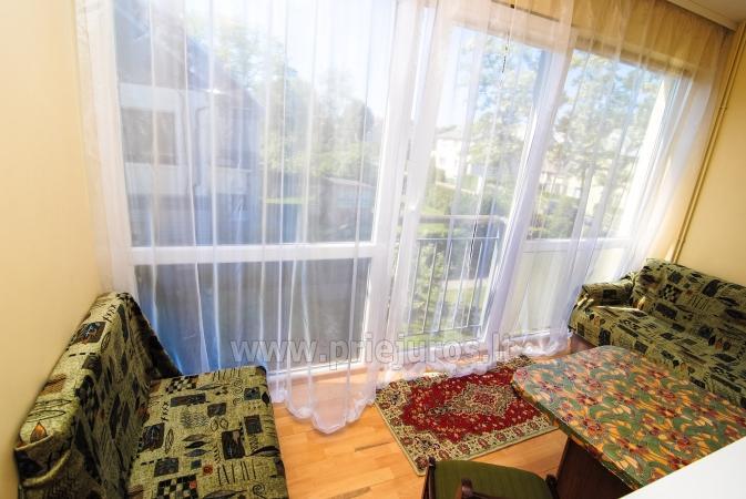 Dwupokojowe mieszkanie z balkonem i nowe meble w Połądze - 9