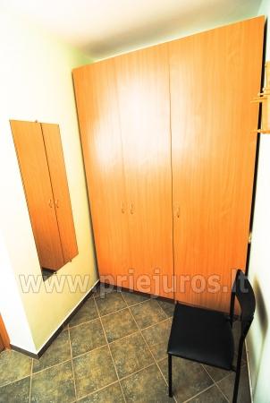 Dwupokojowe mieszkanie z balkonem i nowe meble w Połądze - 10