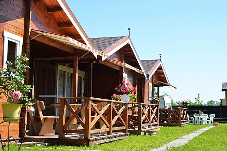 Nowe, przytulne domki i pensjonat w centrum Sventoji