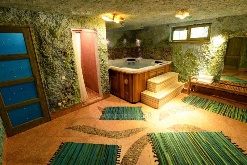 Prywatna willa w centrum Połągi: sauny, jacuzzi, huśtawki. 150 m do morza