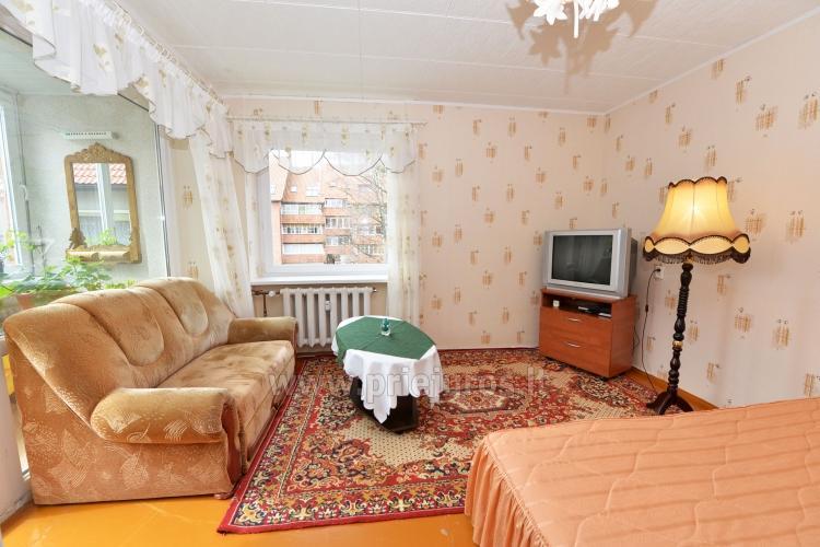 Jeden pokój do wynajęcia w dwupokojowym mieszkaniu w Nidzie - 1