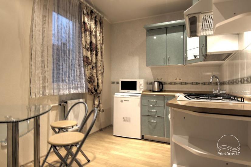 Mieszkania do wynajęcia w prywatnym domu w Połądze. Oddzielne podwórze, grill - 7
