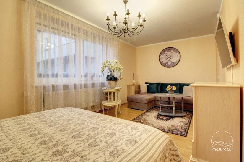 Mieszkania do wynajęcia w prywatnym domu w Połądze. Oddzielne podwórze, grill - 2