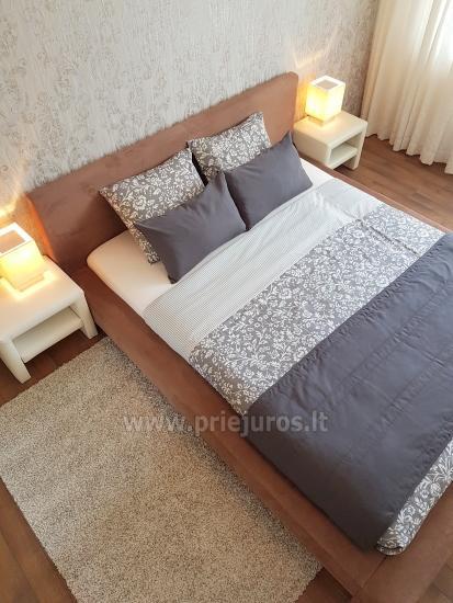 Nowocześnie urządzony apartament z przytulnym tarasie - 3