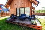 Luksusowy dwupiętrowy drewniany dom z tarasem - 11