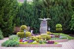 Prywatny dziedziniec z ogrodem, miejsce do biesiadowania, zadaszenie, plac zabaw dla dzieci, parking wiele - 10